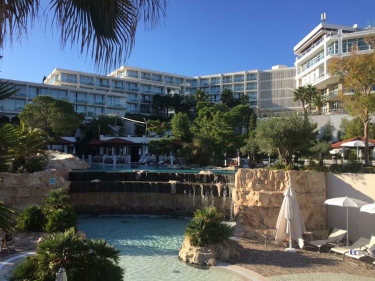 Arundel Travel Amfora Grand Beach Resort